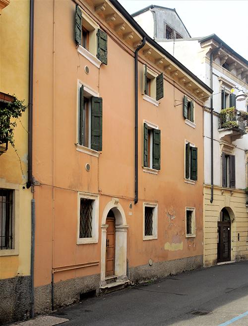 La casa natale di Marc'Antonio Ingegneri sita al civico 5 di Via Paradiso a Verona